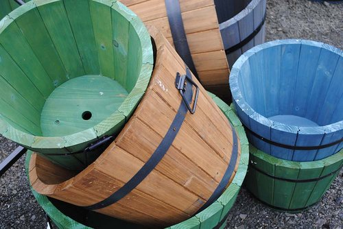 planter-barrels big