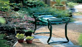 Garden Kneeler – Work In Your Garden With More Comfort!