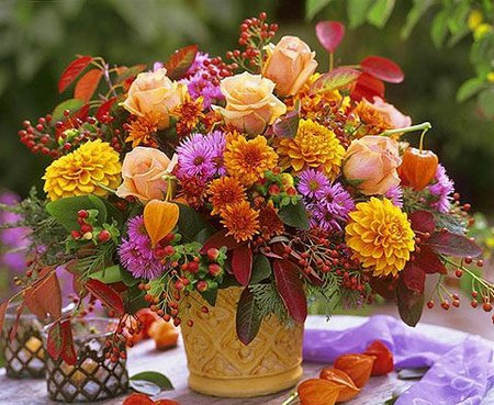 Fall Flowers Arrangements For Good Mood
