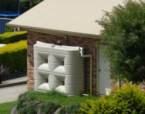 Slimline-Rainwater-Tank-Attached-to-Home