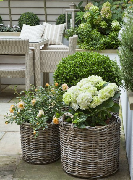 Charming Your Outdoor Garden May Contain Metal Planters, Copper Planters And Stone  Planters That Are Sturdy, Long Lasting And Have Different Finishes To  Compliment ... Good Ideas