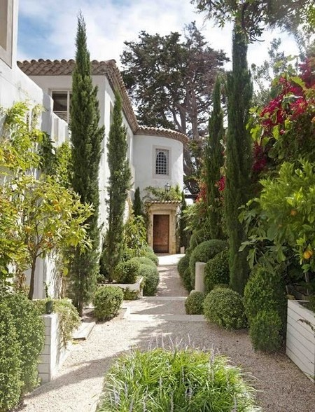 Mediterranean gardens - Fall landscaping ideas a mosaic of colors shapes and scents ...