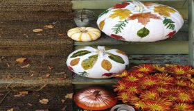 A Fall Garden Decorating For Halloween