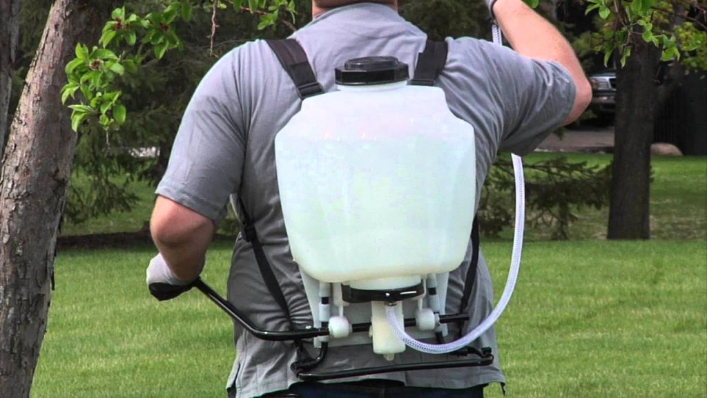5 Tips to Choosing a Backpack Sprayer
