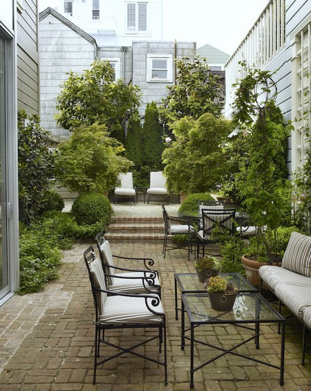 Tips To Design A Narrow Garden